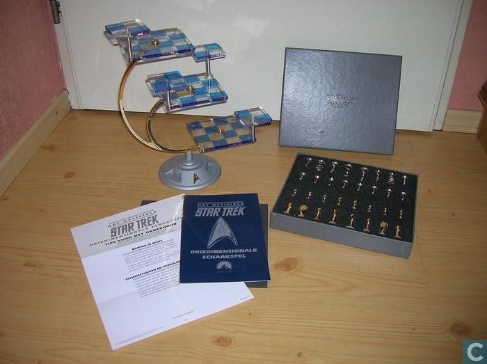 Star Trek Franklin Mint Three Dimensional Chess Game With Gilded And Silvered Chess Pieces