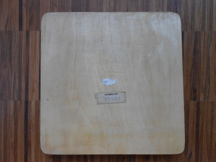 Wooden plate with pressure points for a foot massage