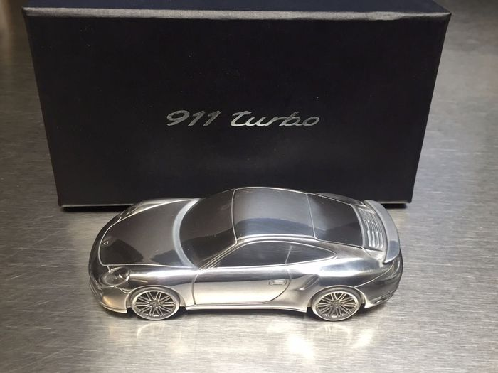 Porsche 991 911 Turbo Dealer's Model. Limited Edition in solid aluminium - Scale 1/43
