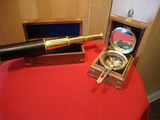 Telescope and compass for shipping, made of brass in 2 luxury wooden boxes