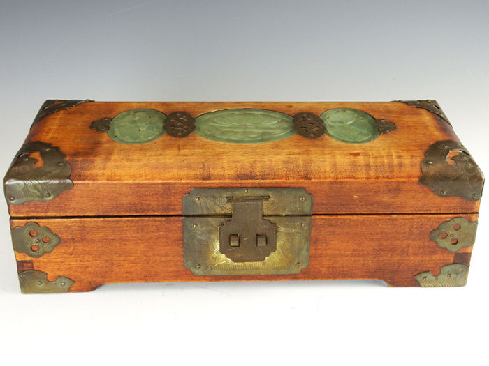 Chinese wooden jewelry box with jade inlays and elegant copper work - China - middle of the 20th century