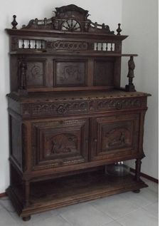 Richly carved oak sideboard in Renaissance style - c. 1900