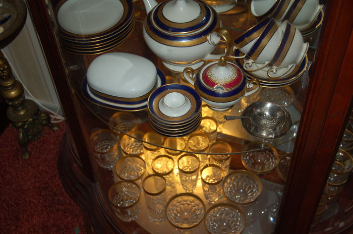 Hutschenreuther - Drache - complete service matching cutlery and matching  crystal glass - Catawiki
