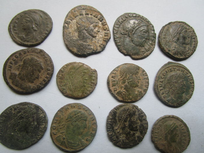 Roman Empire - Lot of 24 Late Roman coins and 1 rare small coin of