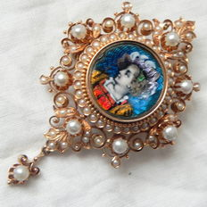 Limoges ? Pearl brooch 585 gold 14 kt yellow gold enamel portrait circa 1900, 12.55 g