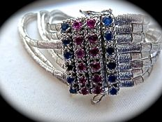 Antique bracelet in 18 kt white gold, with sapphire and ruby encrusted clasp