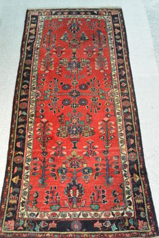 Beautiful Lilihan Persian carpet, 226 x 108 cm. half of the 20th century