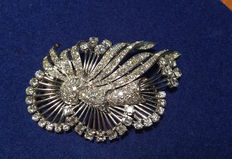 Diamonds - brooch made of white gold - highest quality