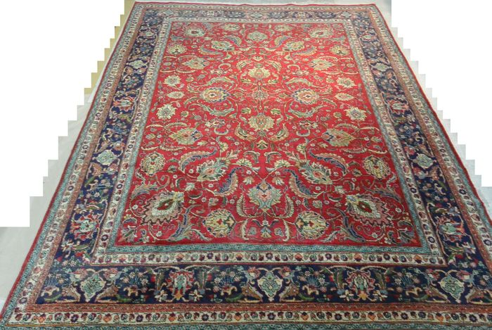 Wonderful Persian carpet 327 x 233 cm. End of the 20th century