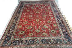 Wonderful Persian carpet 327 x 233cm. End of the 20th century