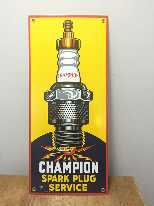 champion spark plugs approximately end 20th early 21st century catawiki. Black Bedroom Furniture Sets. Home Design Ideas