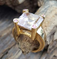 14 kt Yellow gold ring with kunzite, ring size 17.5