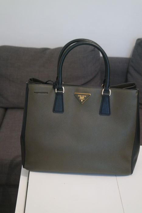 Prada - very beautiful handbag - Limited Edition - Catawiki d1d87d5b0d372