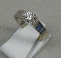 White gold solitaire ring with brilliant cut diamond 0.32 ct. Top Wesselton, VVSI