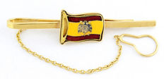 Gold and enamel tie clip, with the flag of pre-constitutional Spain. 20th century.