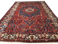 Remarkable Persian carpet: Antique Bakhtiar carpet.