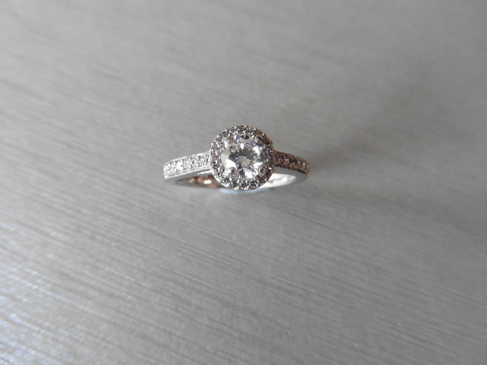 18k gold Diamond Set Solitaire Ring - 0.3 ct / 0.18ct - size 52