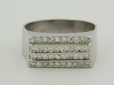 Platinum men's ring with brilliant cut diamonds