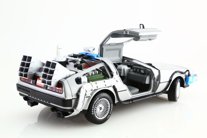 back to the future hot wheels scale 1 18 delorean back to the future time machine with. Black Bedroom Furniture Sets. Home Design Ideas