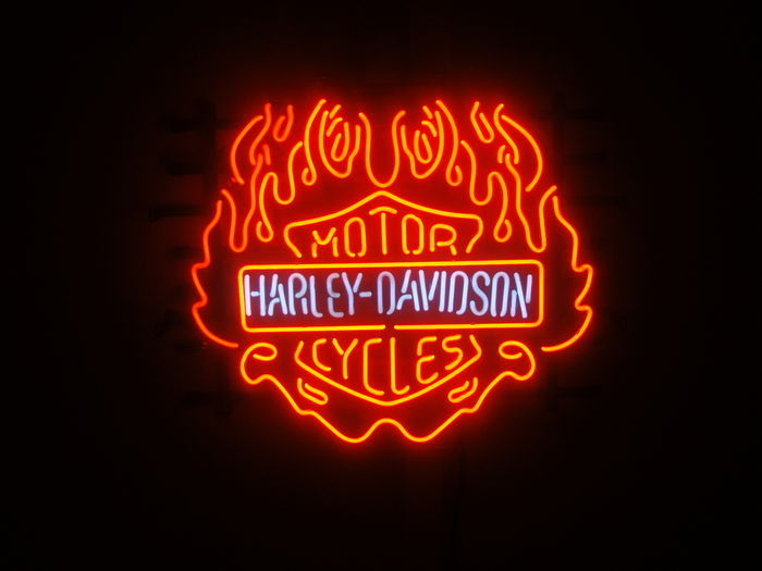 harley davidson neon reclame verlichting large catawiki. Black Bedroom Furniture Sets. Home Design Ideas