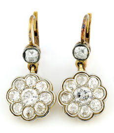 Gold earrings with antique brilliant cut diamonds