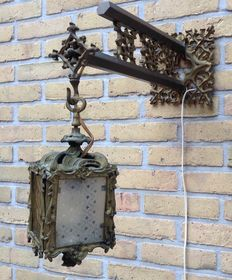 Finely detailed wall light in Louis XV style - ca. 1900