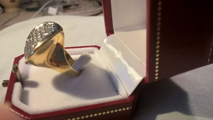 Yellow gold ring with 44 diamonds totalling 1.32 ct