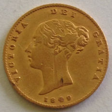United Kingdom - 1849 Half Sovereign - Victoria - gold