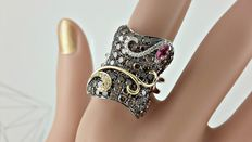 4.65 ct  white diamond , natural cognac & pink sapphire cluster 14 kt gold ring