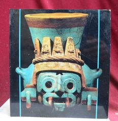 Pre-Colombian catalogue of the great Aztec exhibition in Brussels -  23 cm