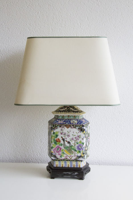 A chinese porcelain table lamp with bird theme catawiki a chinese porcelain table lamp with bird theme aloadofball Images