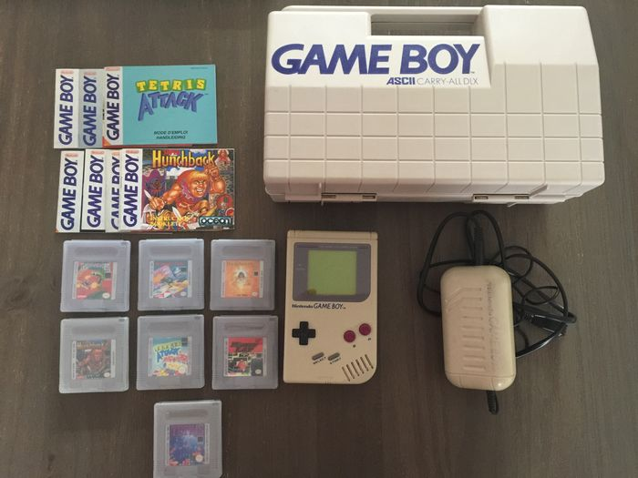 Nintendo Gameboy Classic DMG-01 with Gameboy Carry case, Nintendo Adapter DMG-03 and 8 games
