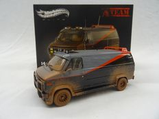 The A-Team - Hot Wheels Elite - The A-Team tv series -  Scale 1/43 - GMC Classical Bus A-Team with Mud Deco
