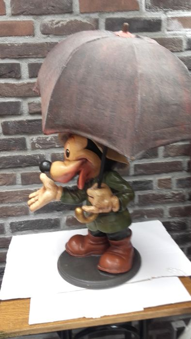Mickey Mouse with umbrella - wood reinforced with resin - Catawiki