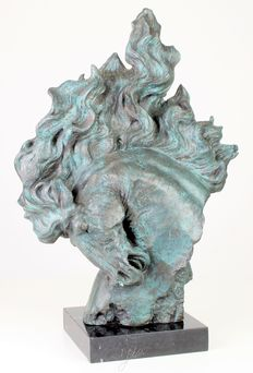 Bronze horse head on marble plinth
