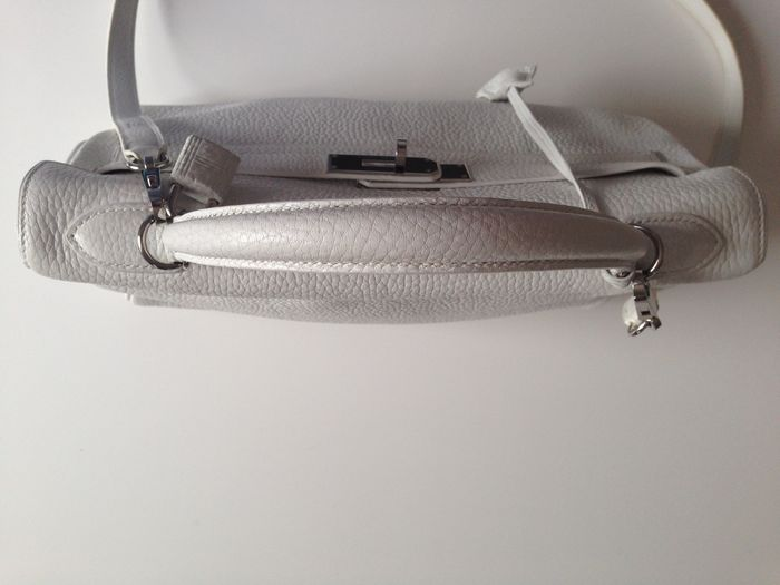 87084288fc3a Hermes Kelly - White togo leather bag - Catawiki