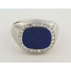White gold pinky ring with lapis lazuli and octagon cut diamonds