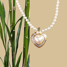 Set of mabe heart pendants with Akoya cultured pearl necklace 14kt