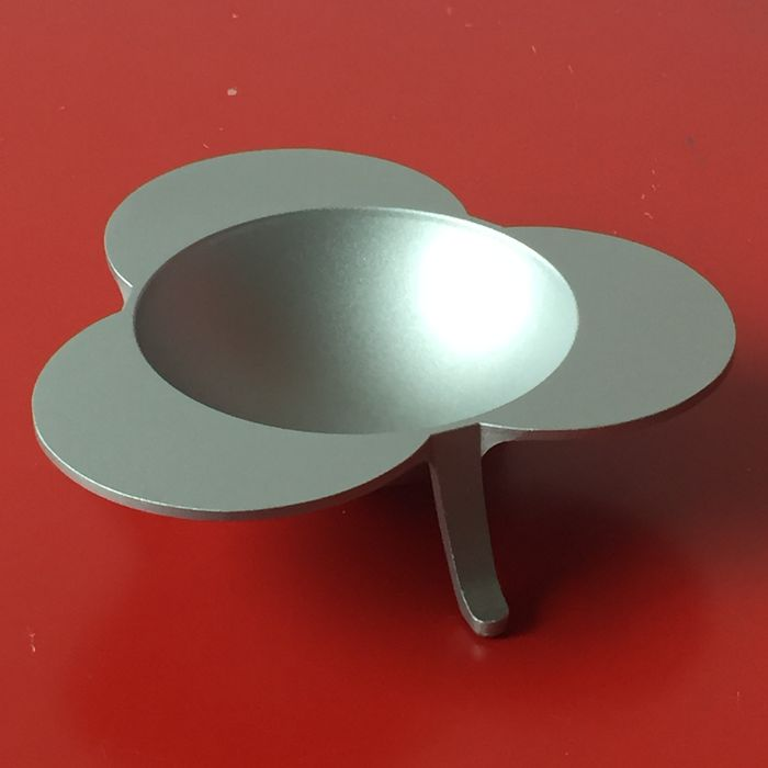 Enzo Mari voor Kartell – 'Clino' aluminium ashtray