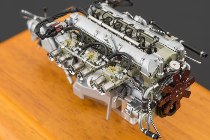 Cmc Scale 118 Aston Martin Db4 Gt 1961 Engine In Attractive