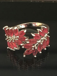 925 Silver women's ring set with 20 red rubies – size 19 mm.