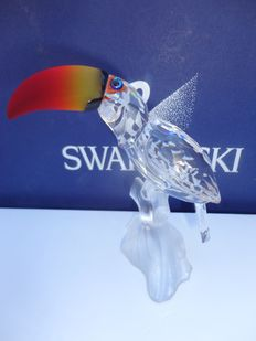 Swarovski - Toucan with coloured beak.