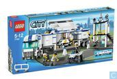 Lego 7743 Police Command Center