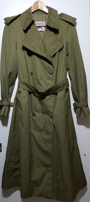 Vintage women s Burberry trench coat. Original f71fdc85704f