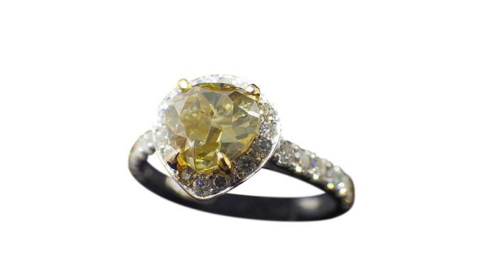 1 ct Fancy Yellow Diamond Ring-Clarity:  1-1- Ring is size 6.5, Free resize