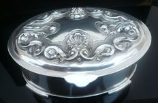 Silver jewelry box, Portuguese, 20th century, post 1938
