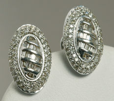 Gold Oval Shape Diamond Pendant with matching earring studs in 14 kt white gold