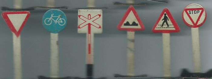 29 Tin Traffic Signs From The 1950s Height Is 5