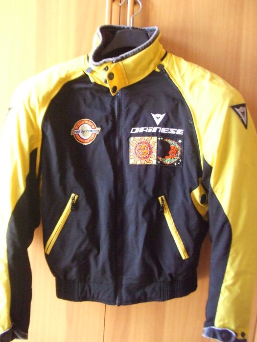 huge selection of a53e5 a8b95 Dainese jacket Valentino Rossi edition - Catawiki