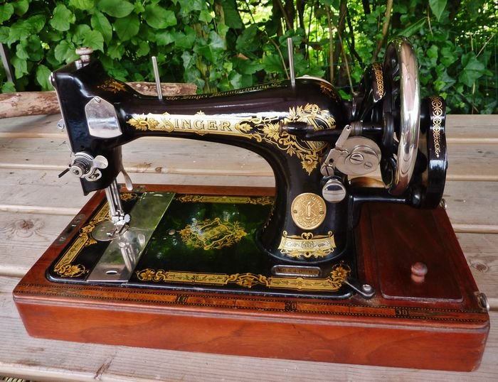 Antique Scottish Singer Sewing Machine From January 40 40 Type Y Gorgeous 1923 Singer Sewing Machine